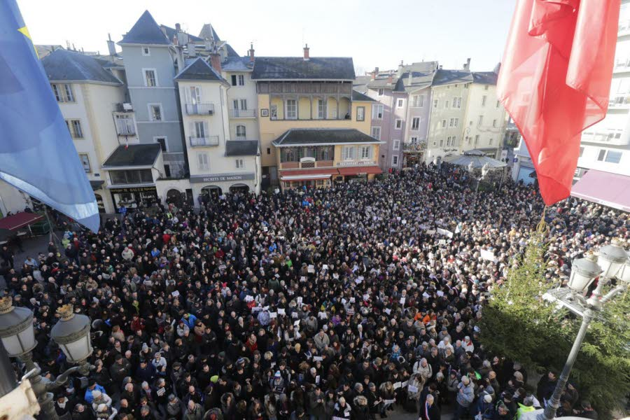 3000 people gathered in Chambéry